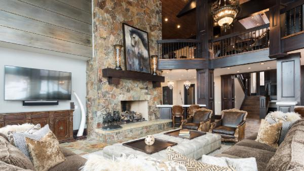 Exquisite, Luxury Chalet in Private Ski-In/Ski-Out Community with Game Room, Bar, Suana and Hot Tub