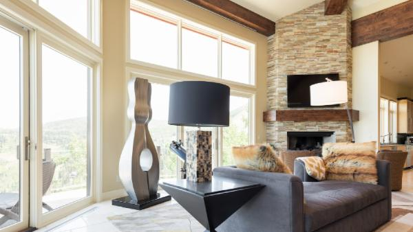 Airy, Contemporary Ski-In/Ski-out Chalet wiith Breathtaking Views,, Game Room and Private Pool