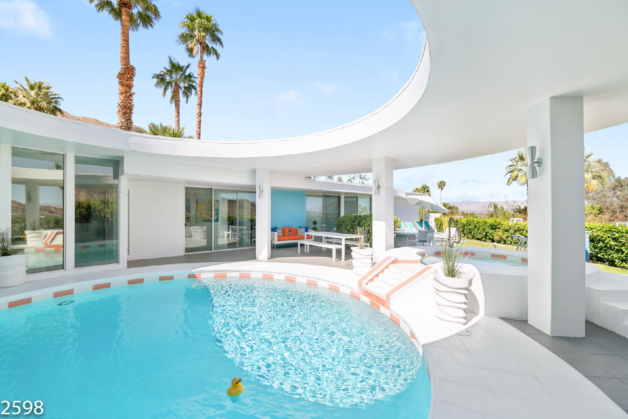 One of a kind Modern Home with Circular Pool and Spectacular Views