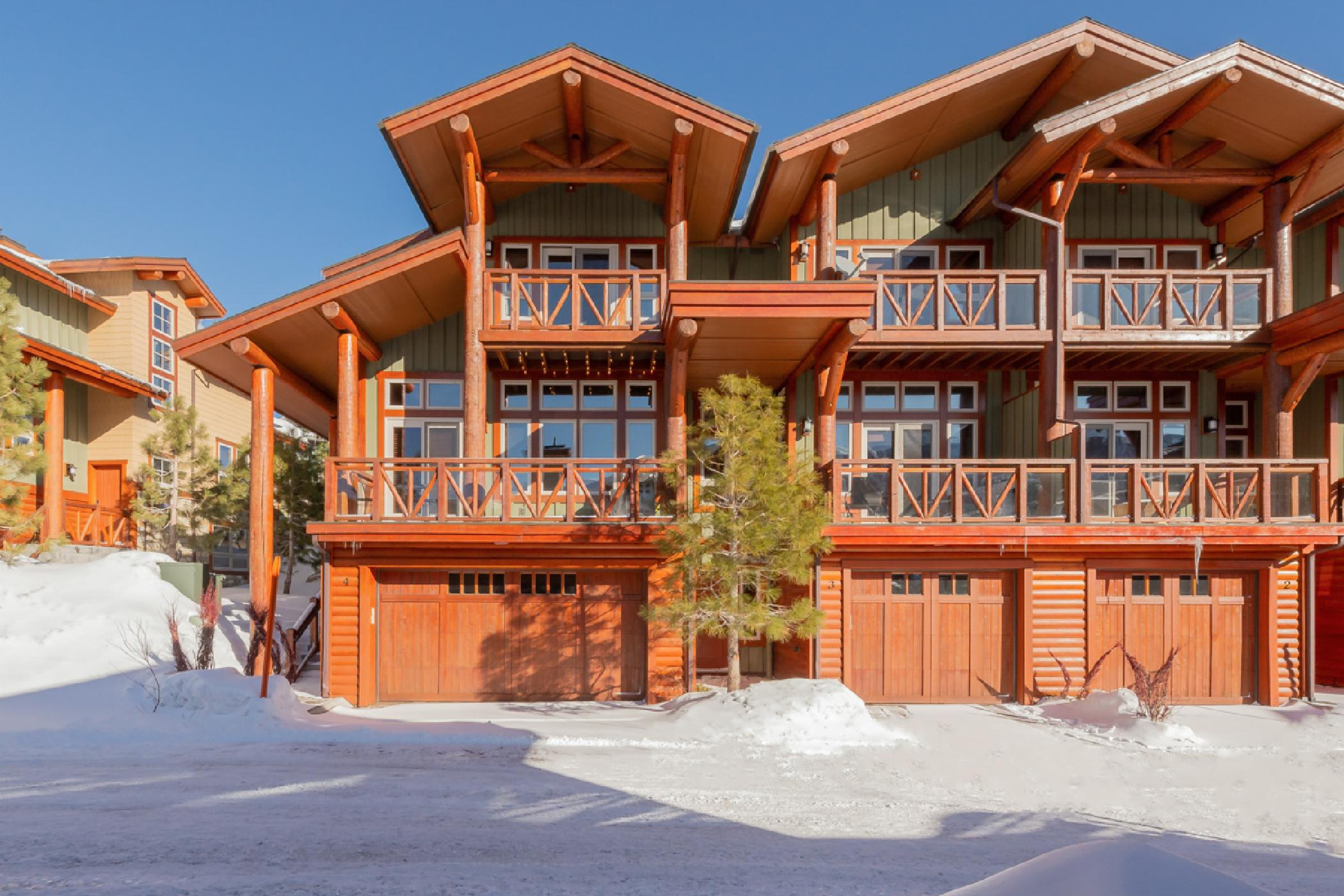 New Listing! Family-Friendly Townhouse Steps from Chairlift with Hot Tub and Mountain Views