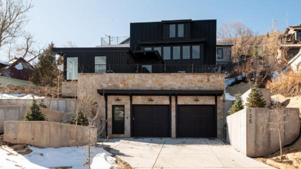 Hillside Haus