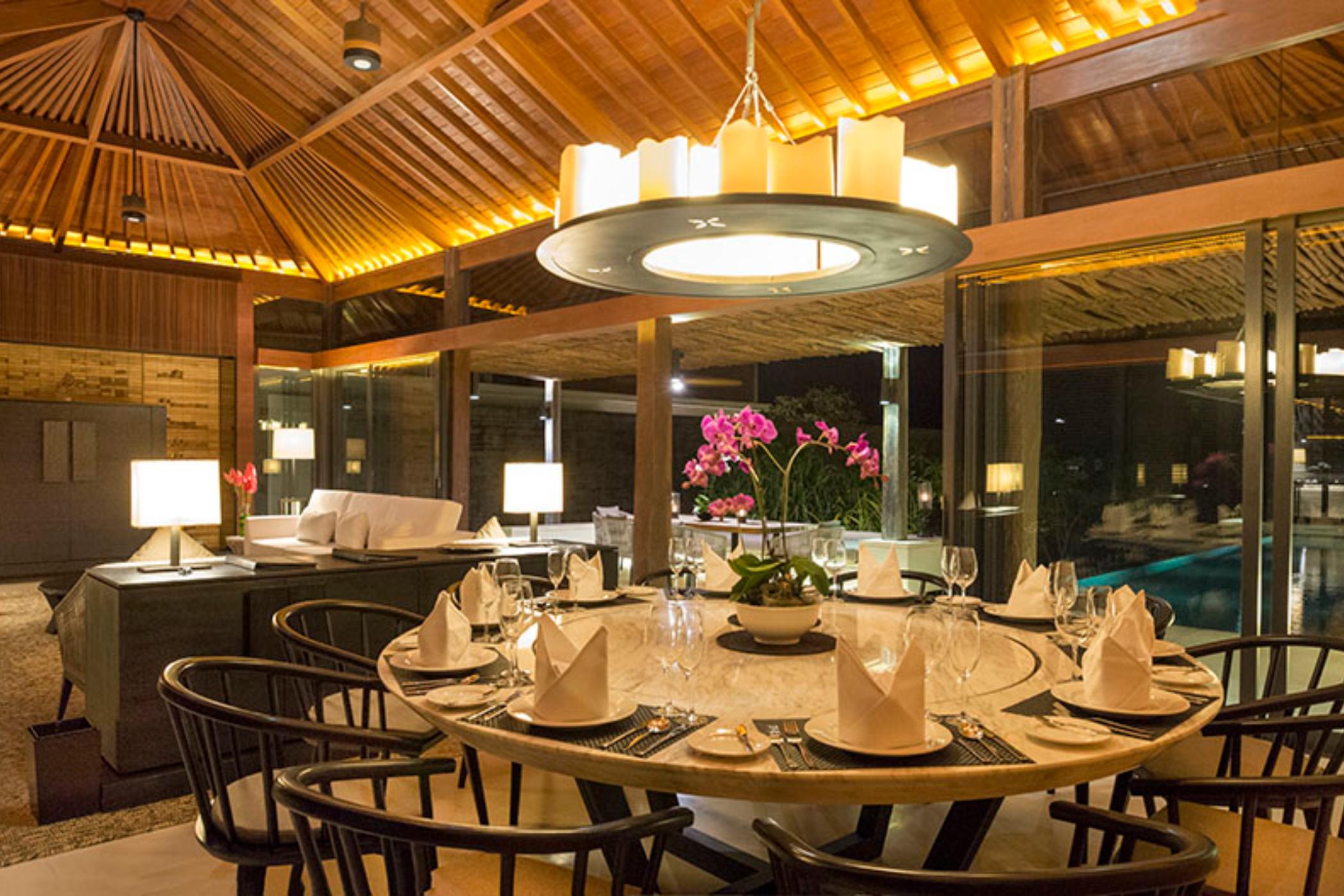 Sohamsa-Estate-Villa-Hamsa-Dining-area.jpg