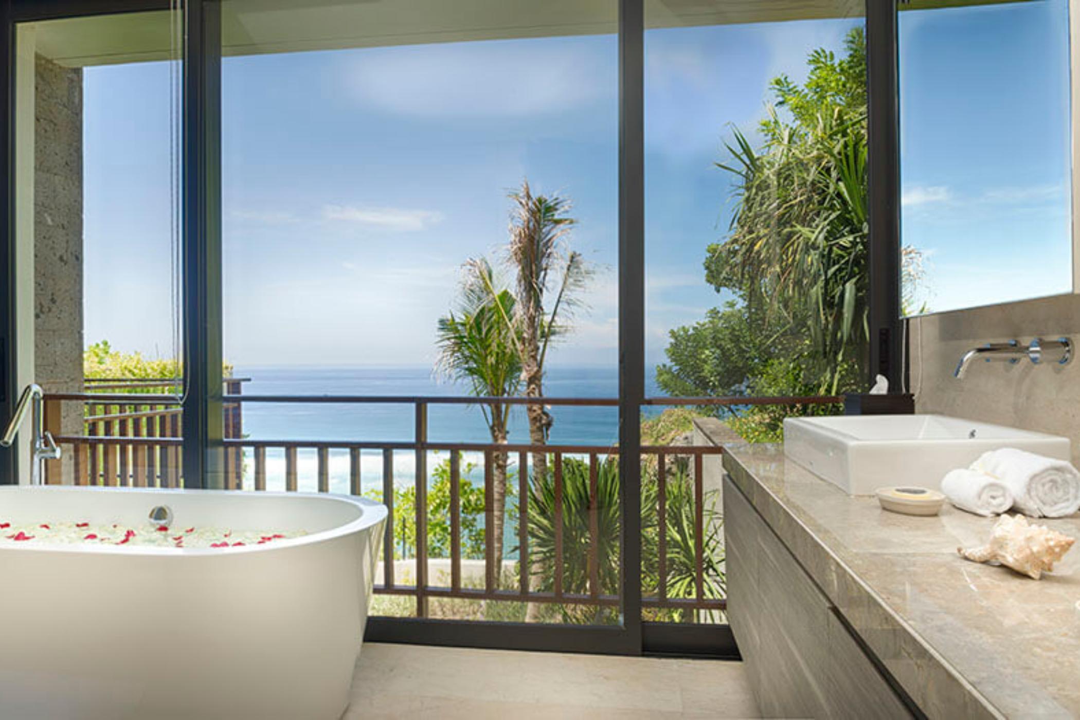Sohamsa-Estate-Villa-Hamsa-Guest-bedroom-three-ensuite.jpg