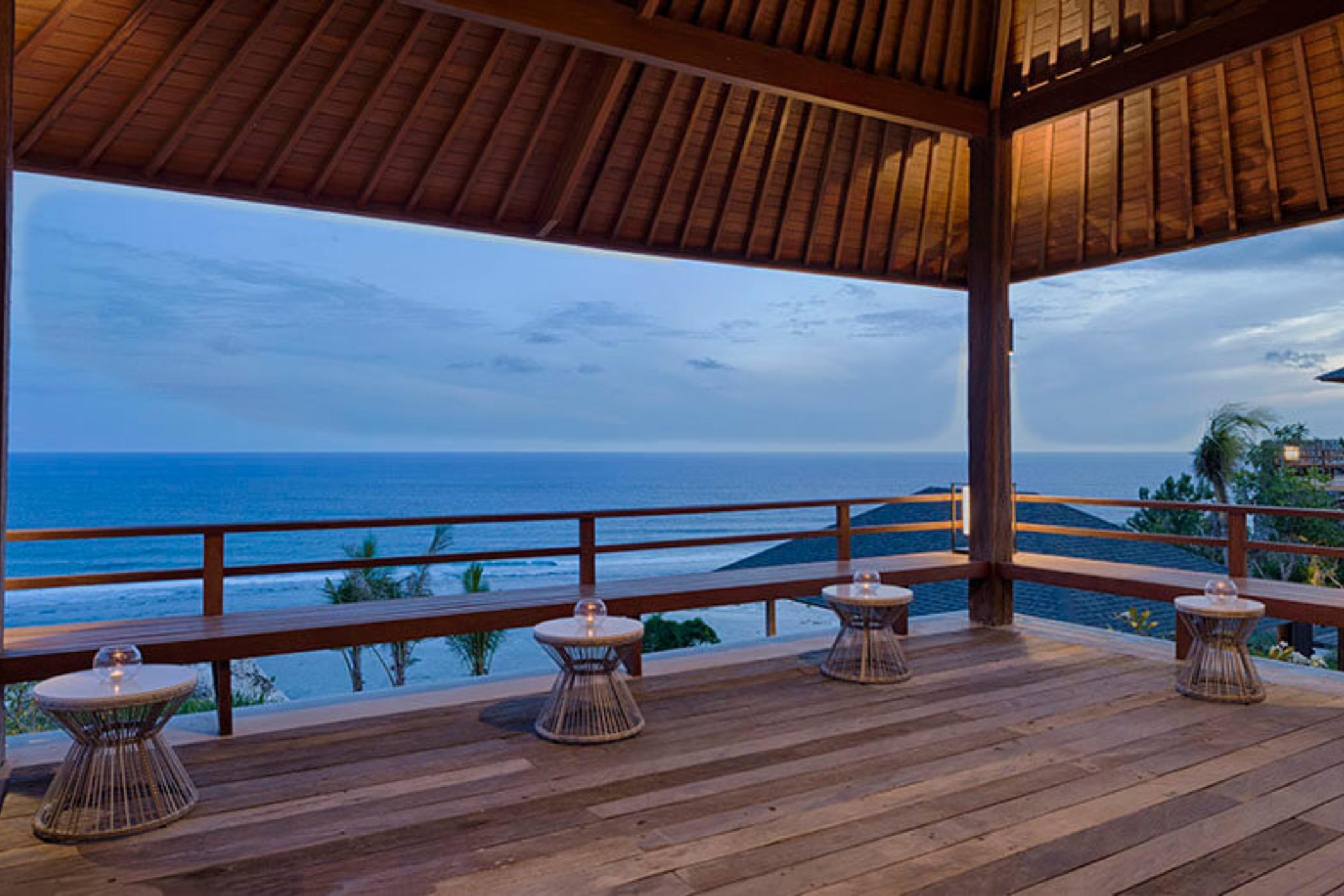 Sohamsa-Estate-Villa-Hamsa-Spectacular-clifftop-location.jpg