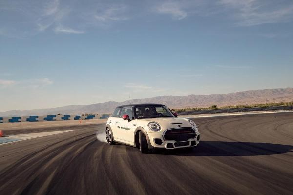 Things To Do In Palm Springs - Learn to Race & Drift a BMW