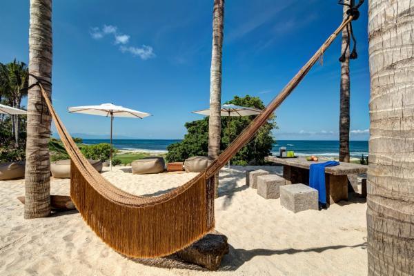 014-Hammock_sand terrace.jpg