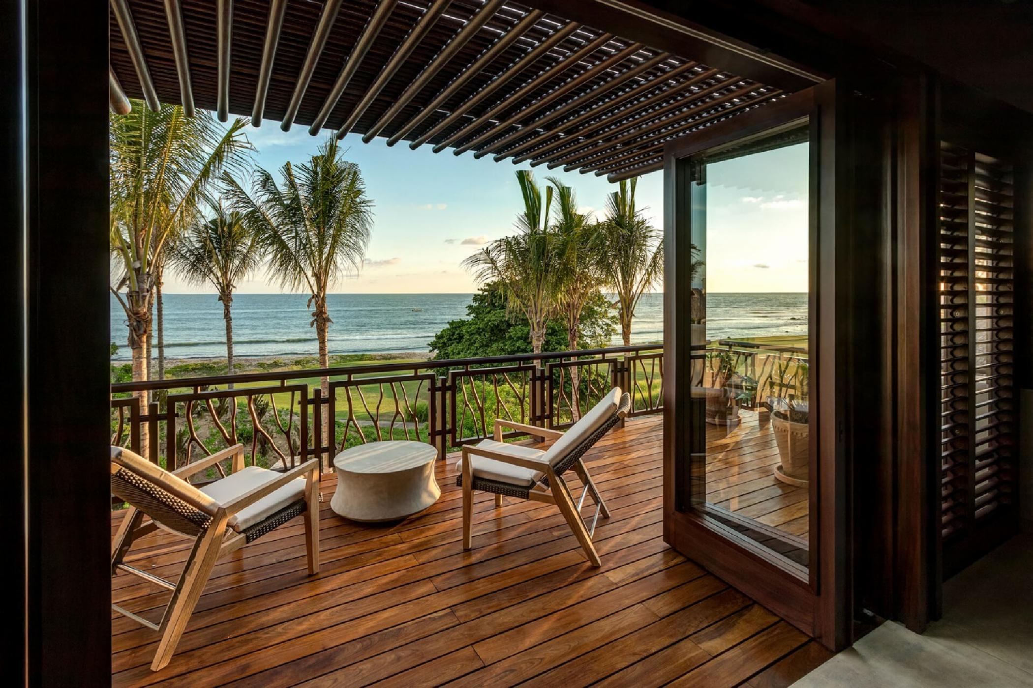 087-Sol master suite_balcony.jpg