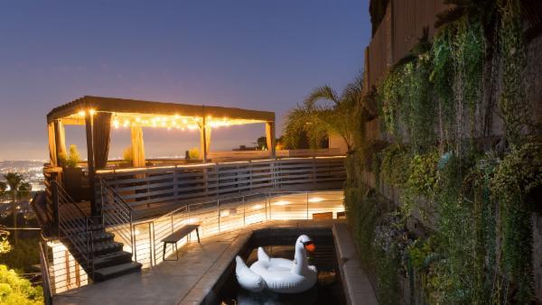 Hollywood Hills View Villa
