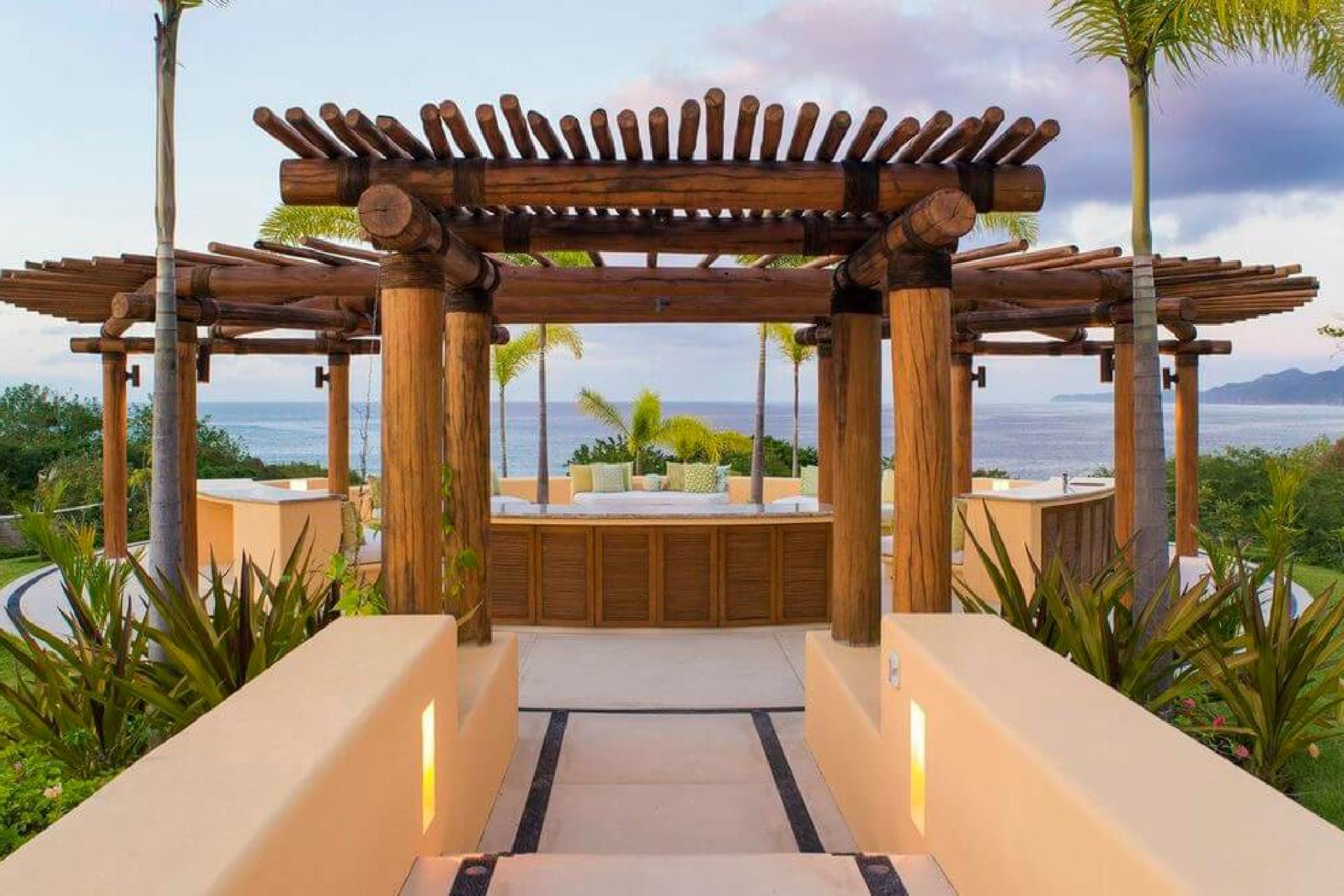 Casa Querencia welcomes large groups of family or friends.