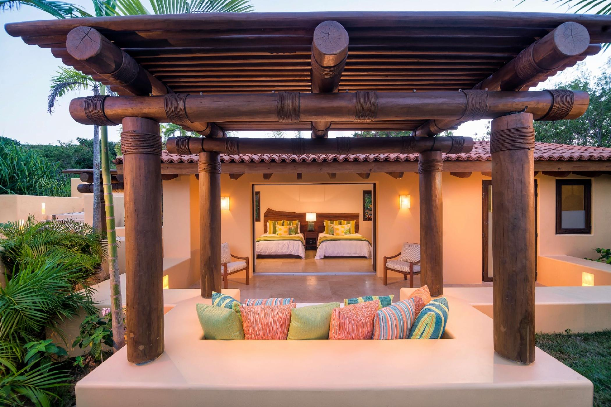 Relax in your casita garden and listen to the birdsong and waves.