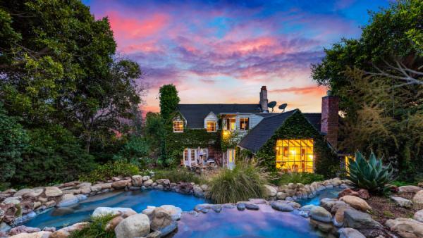 Hollywood Celebrity Estate