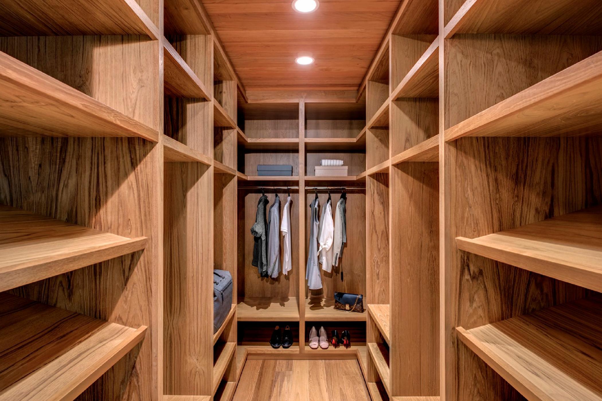 1253_Unit4_2ndFloor_Closet16266 Panorama.jpg