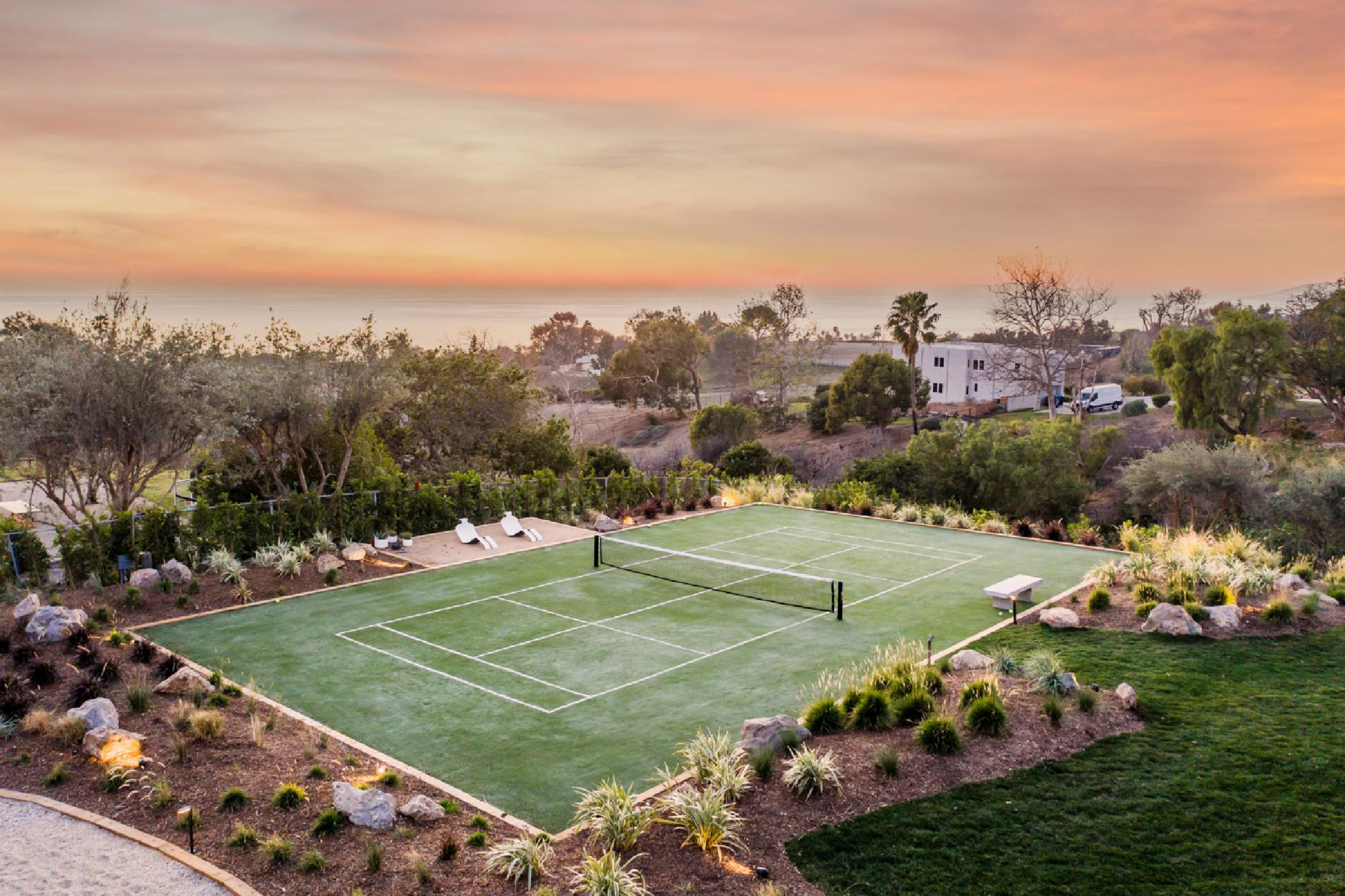 Malibu Tennis Villa