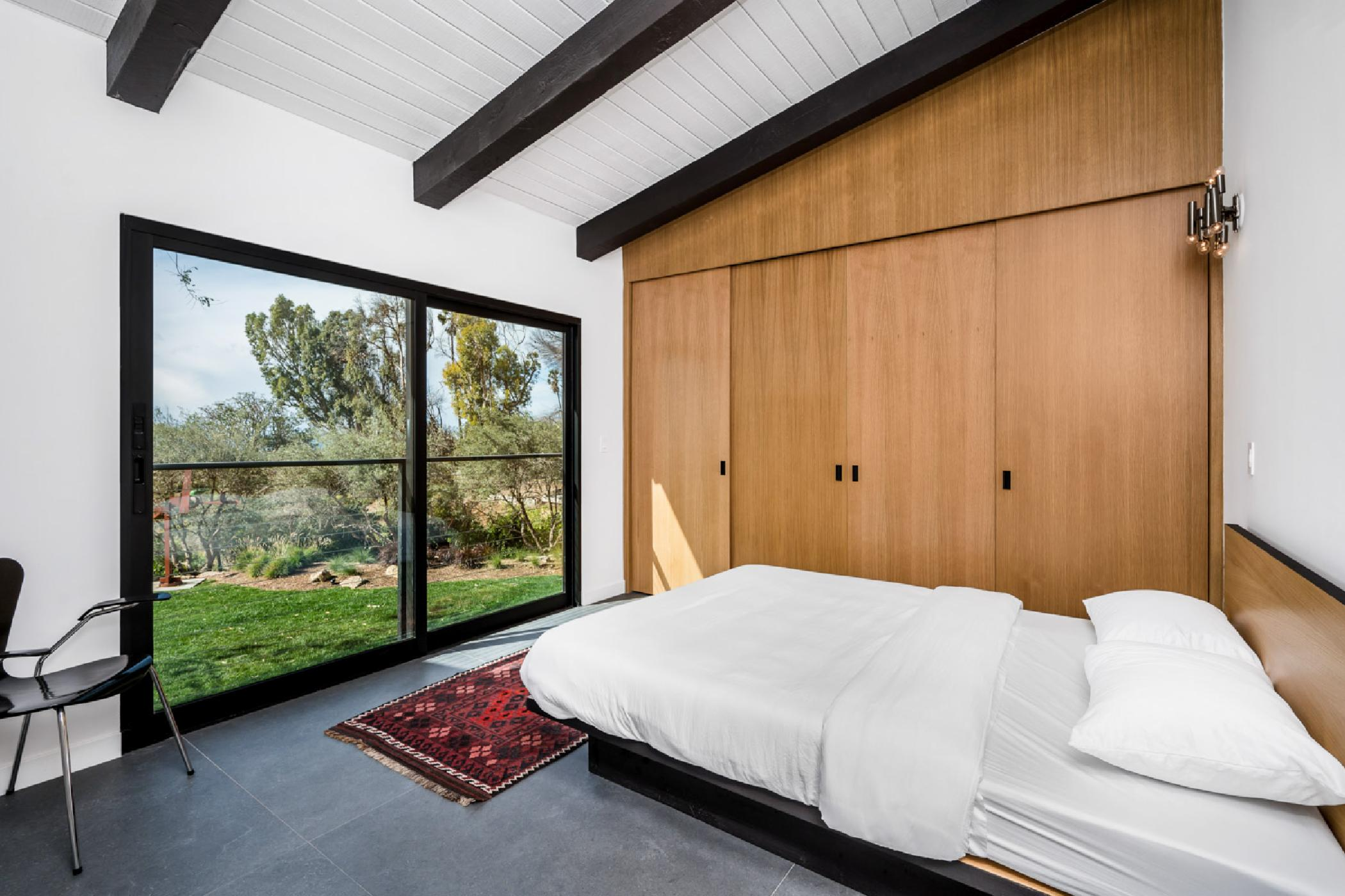 Mainfloor-1bedroom.jpg