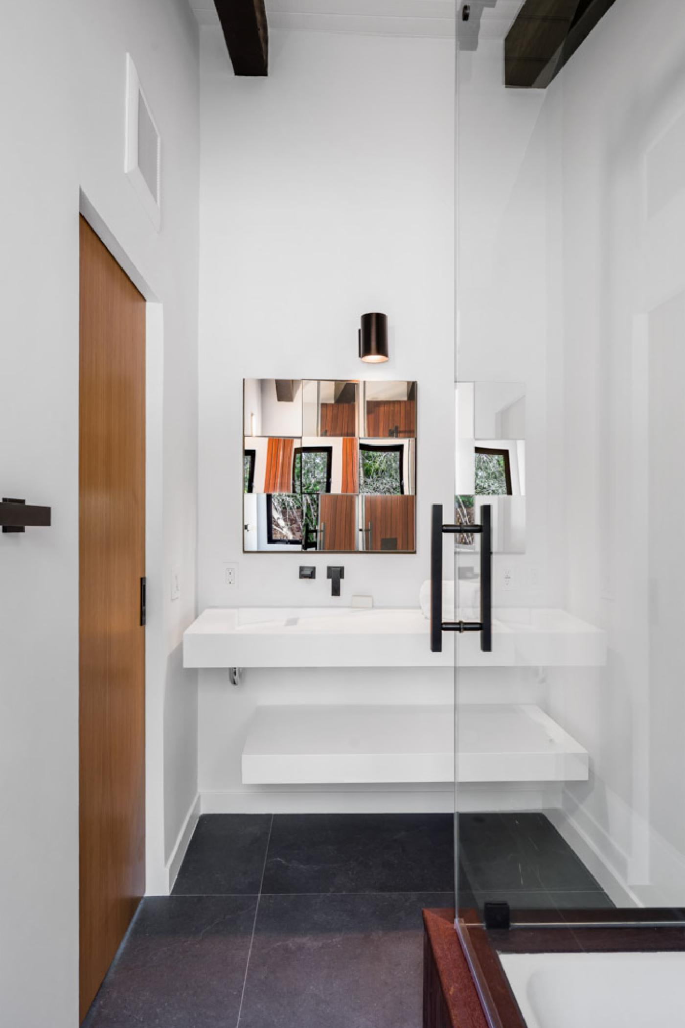 Mainfloor-2bedroom-bath2.jpg