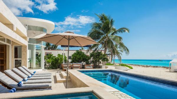 Playa del Carmen private beach house; 4 BDR, oceanfront and pool with sundeck, close to ruins