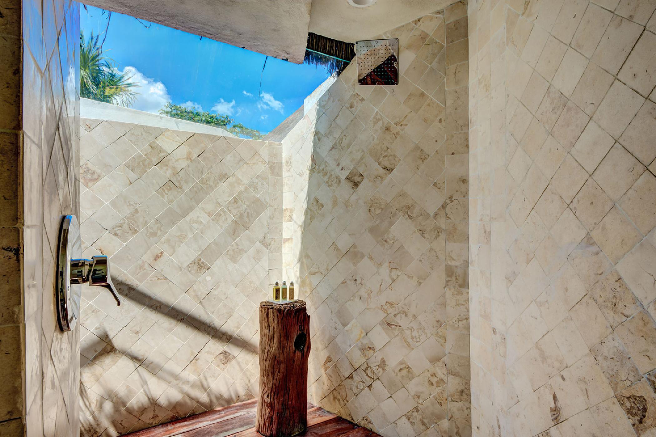 Maya_Luxe_Riviera_Maya_Luxury_Villas_Experiences_Puerto_Aventuras_5_Bedrooms_Zacil_Na_17.jpg