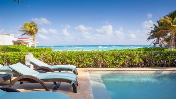 Playa del Carmen 6 BDR luxury villa, modern design, amazing views, plunge pool, steps to beach