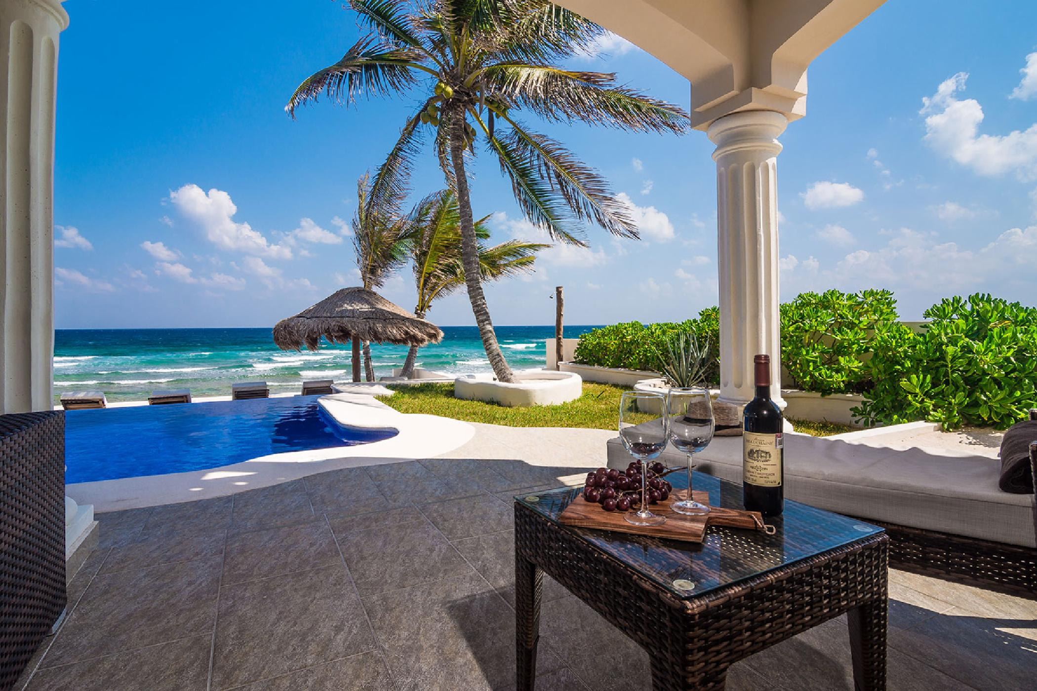 Amazing 6 BDR Tankah Bay oceanfront estate; infinity pool private beach, high-end luxury