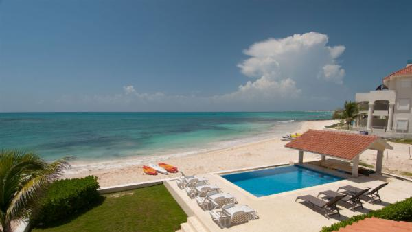 Magnificent 5 BDR Puerto Morelos oceanfront villa; Secure gated community, beach pool, unparalled views