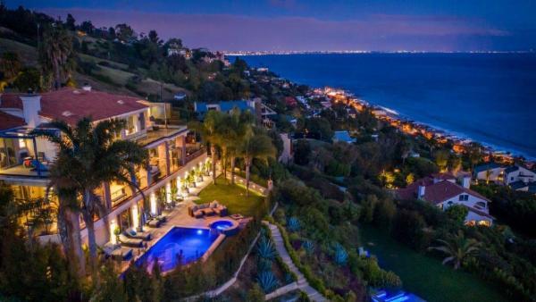 Celebrity Malibu Mansion