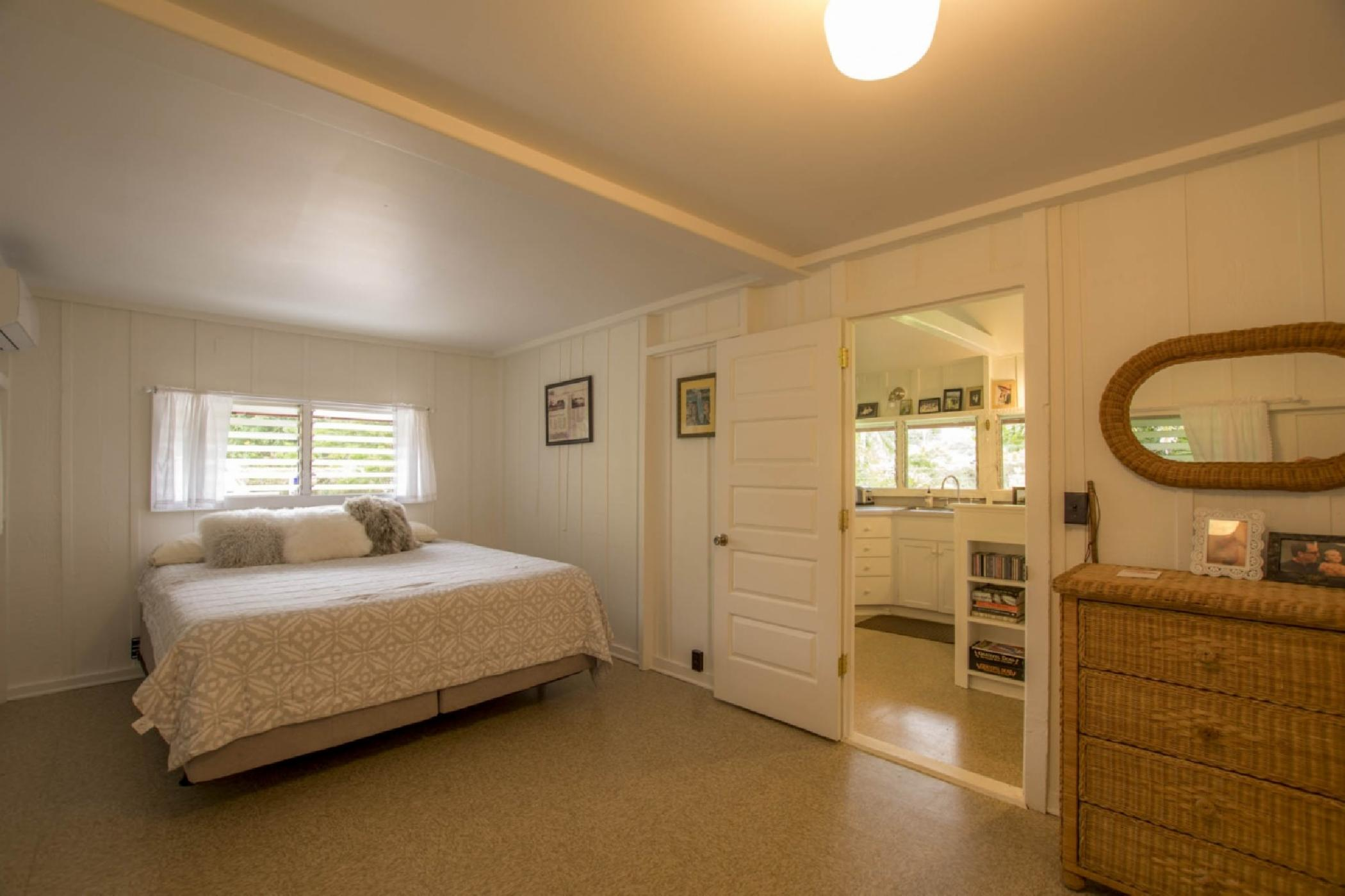 guest-house-bedroom-2.jpeg