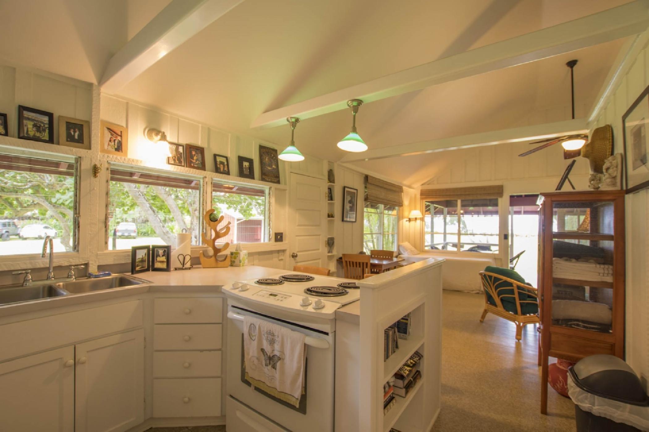 guest-house-kitchen-2.jpeg