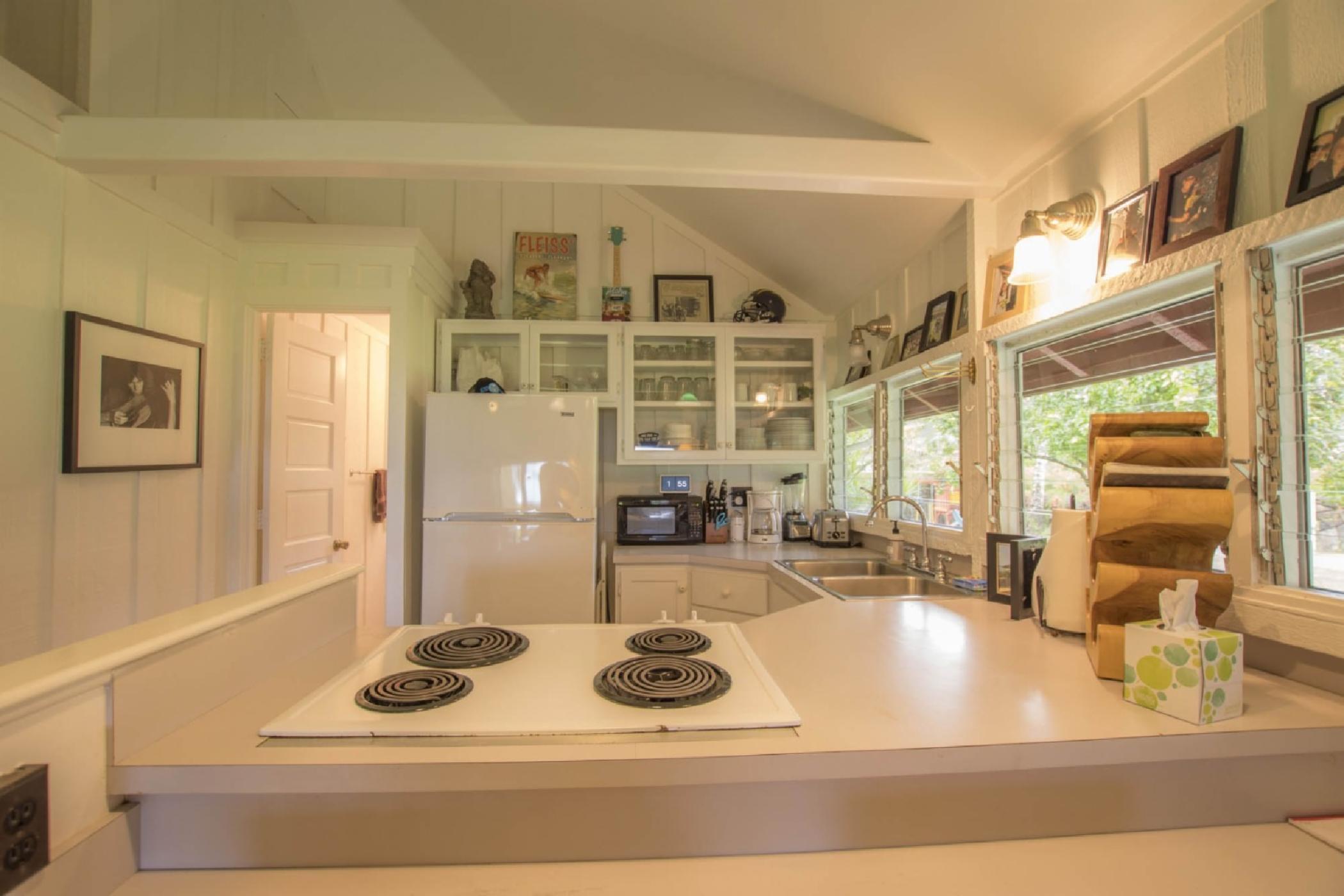 guest-house-kitchen.jpeg