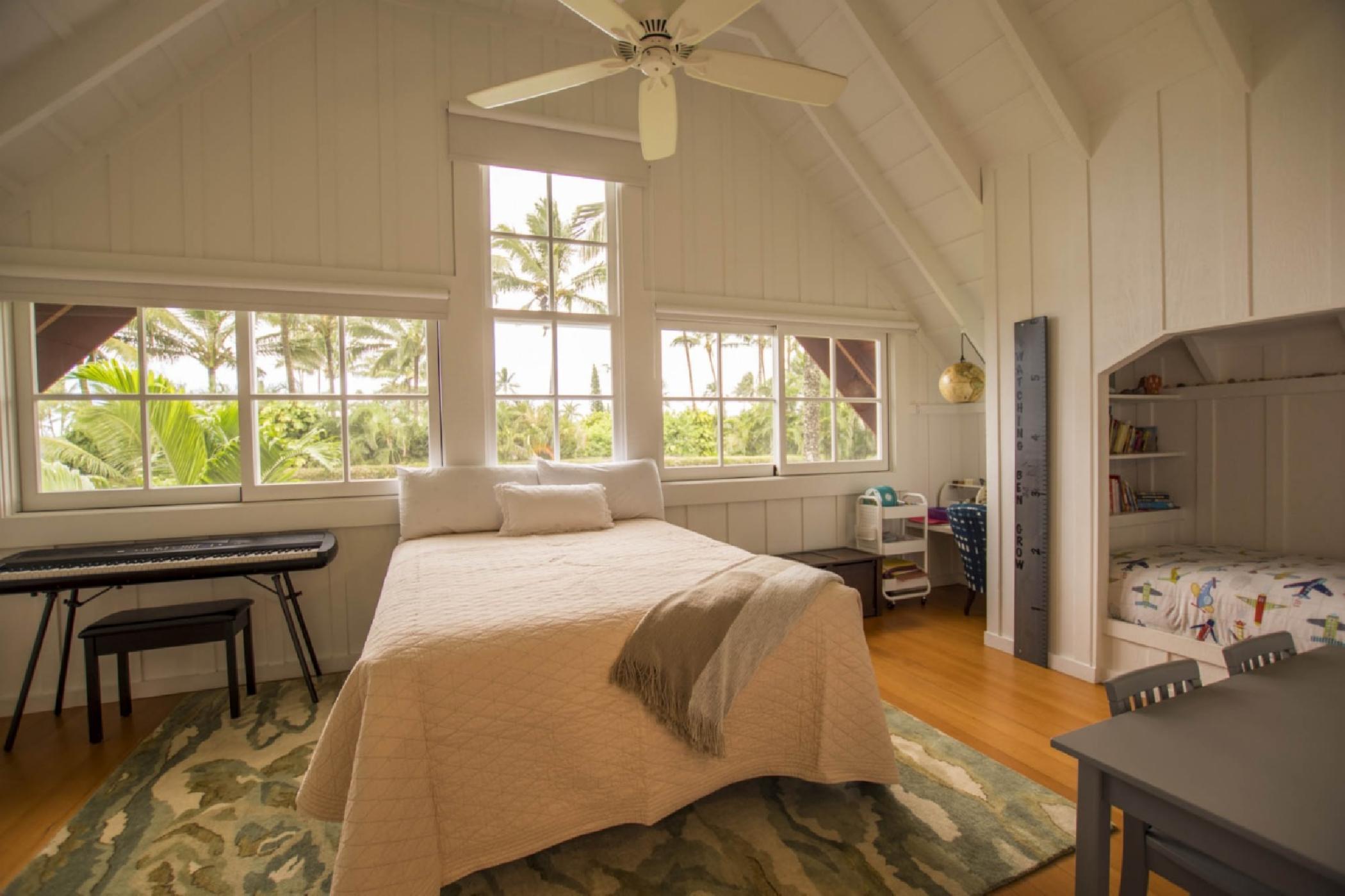 bedroom3_queen_twinupstairs.jpeg