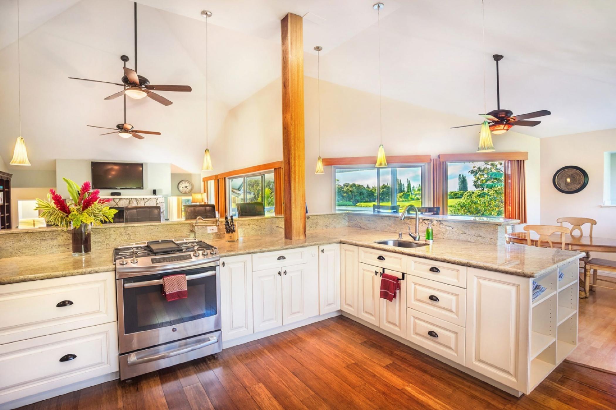 kitchen-oven-towards-living.jpeg
