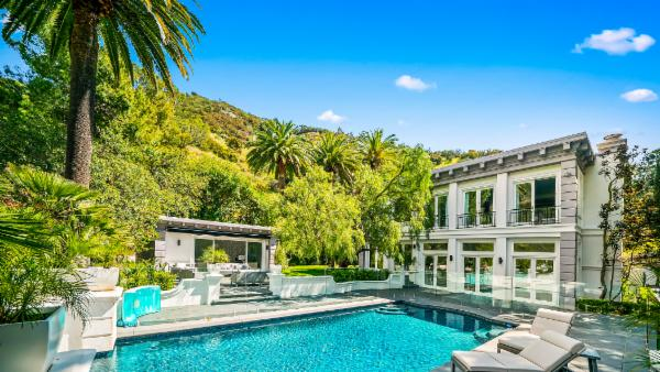 Beverly Hills Mountain Escape