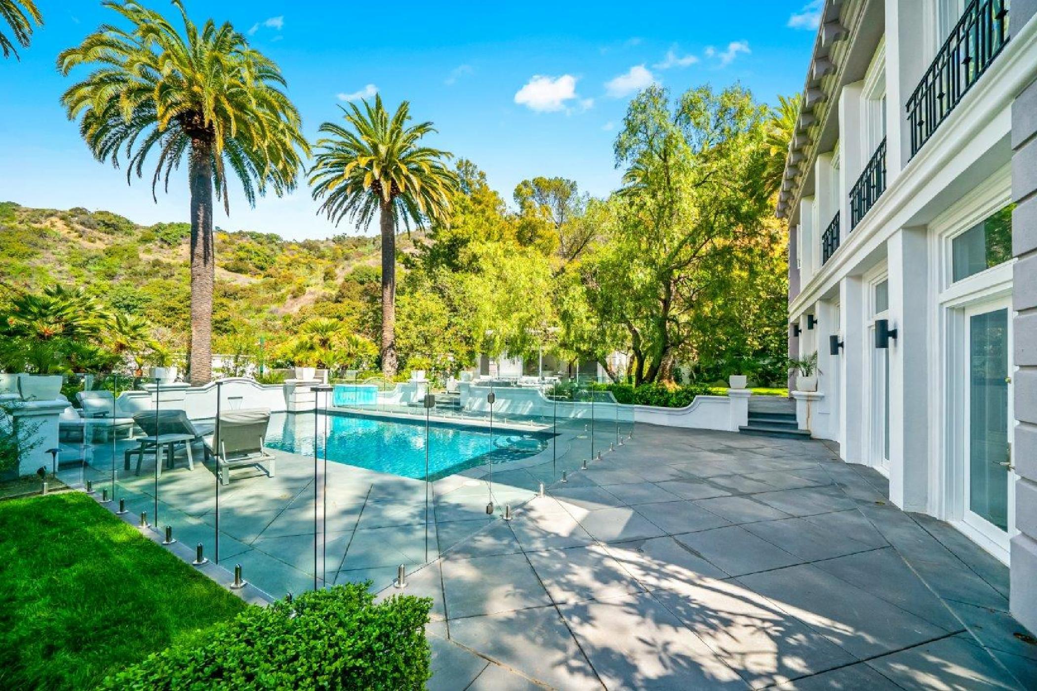 Beverly Hills Mountain Escape (1).jpg