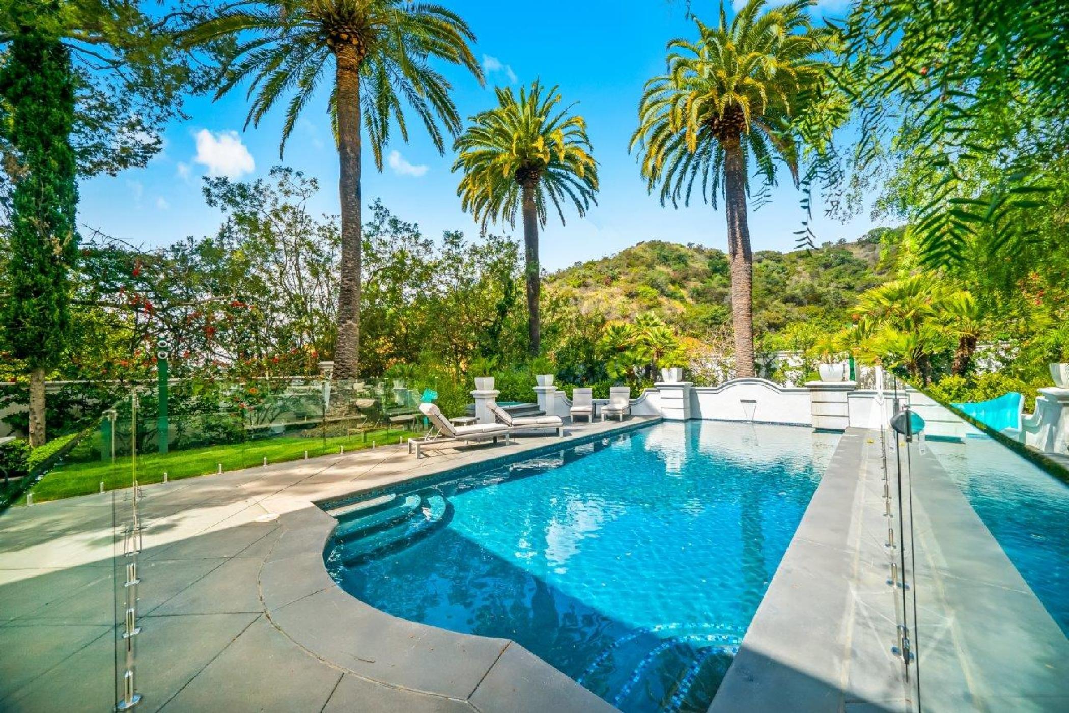 Beverly Hills Mountain Escape (37).jpg